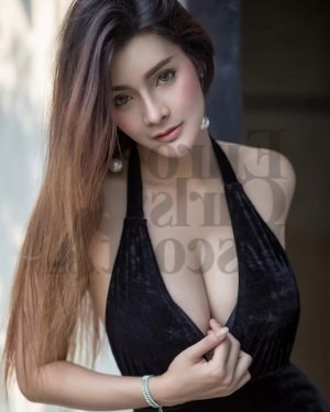 Dionne happy ending massage in Monterey Park CA & escort girl