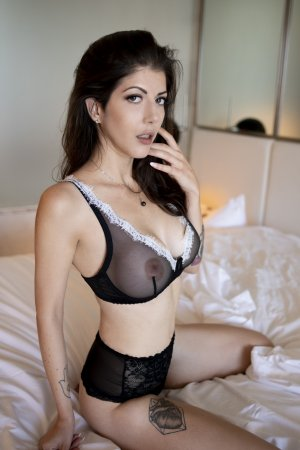 Marie-sara escort girls